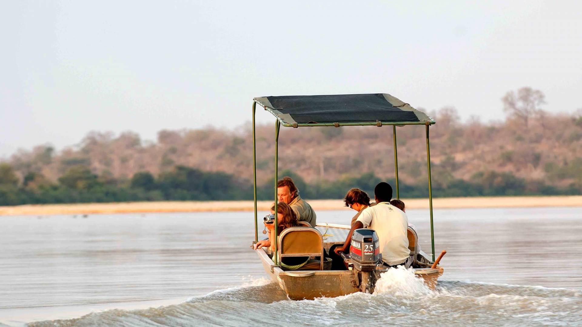 Abenteuerliche Boot-Safaris