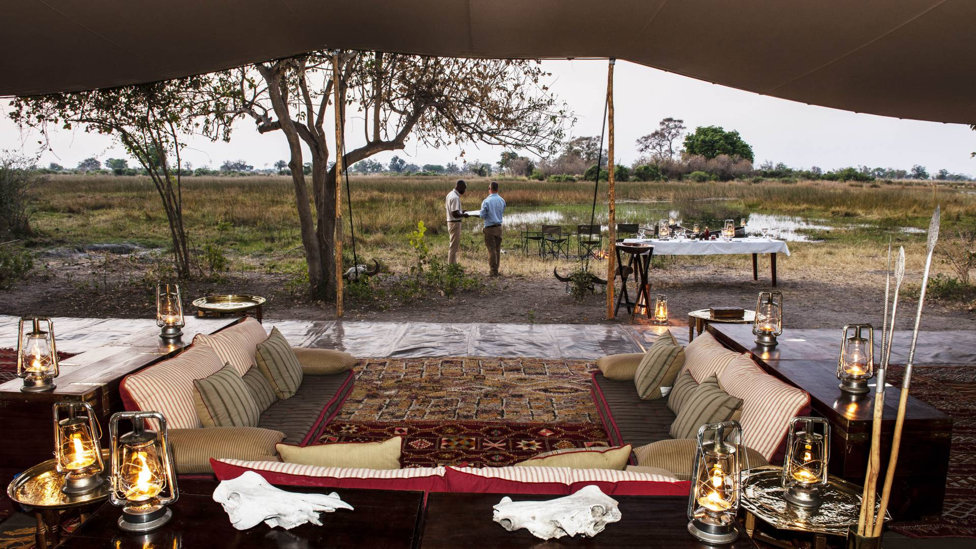 Mobile Safari Botswana ...bar fuss luxus