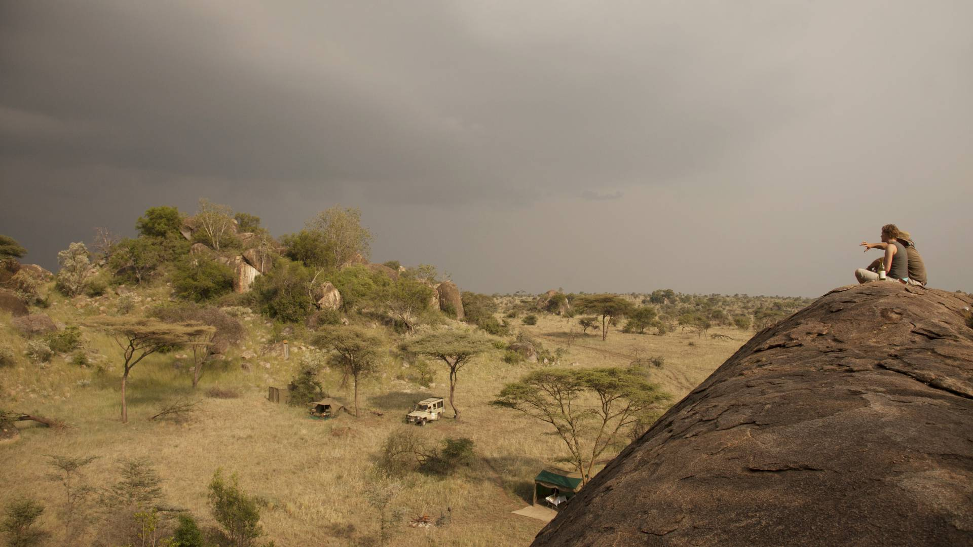 Pinto Africa Top Safari Tips 2018 - Wayo walking safari serengeti
