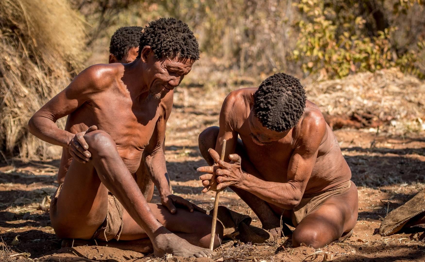 San Bushmen Feur Machen
